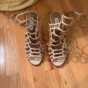 Like new condition Steve Madden cage heel